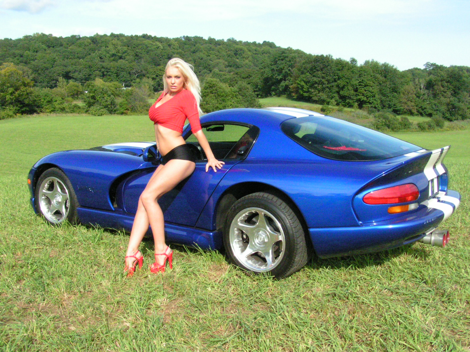 Dodge Viper GTS & Sexy Girl - Détails du Wallpaper